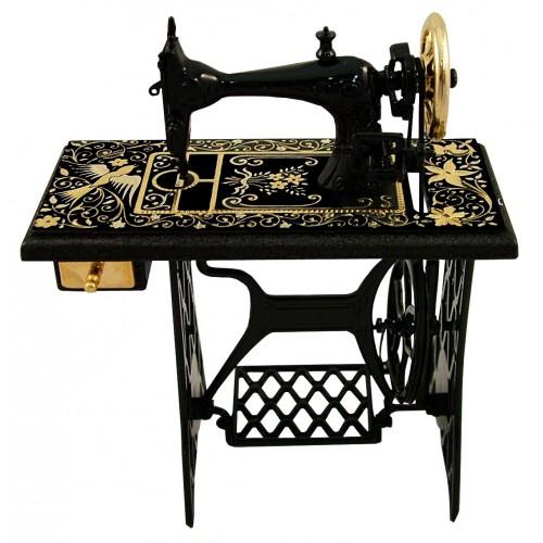 M quina de coser damasquinada for Maquinas de coser zaragoza